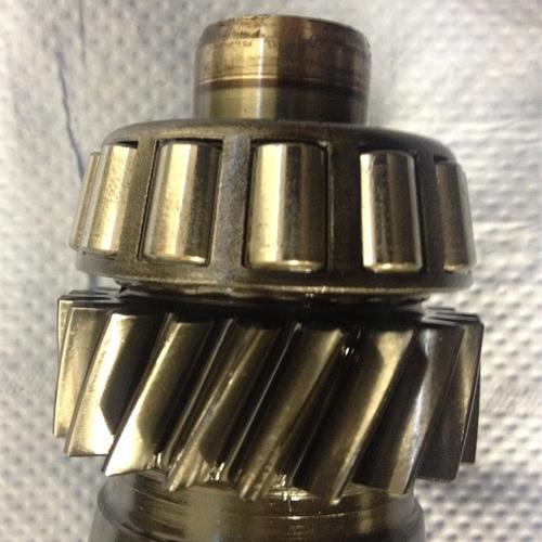 Defekte Schrägrollenlager der Getriebeeingangswelle im M93 Getriebe
