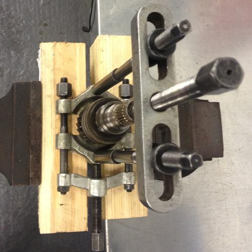 Getriebeeingangswelle R1100GS Umrüstung auf Clean Bearing